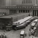 AD Classics: Pennsylvania Station / McKim, Mead & White Bus terminal in 1936, with Penn Station beyond. Image © Berenice Abbott - New York Public Library Digital Collection