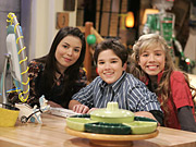 ICarly, starring Drake & Josh's Miranda Cosgrove in a LonelyGirl-esque show that's part YouTube webcast/part tween sitcom, premieres in September.