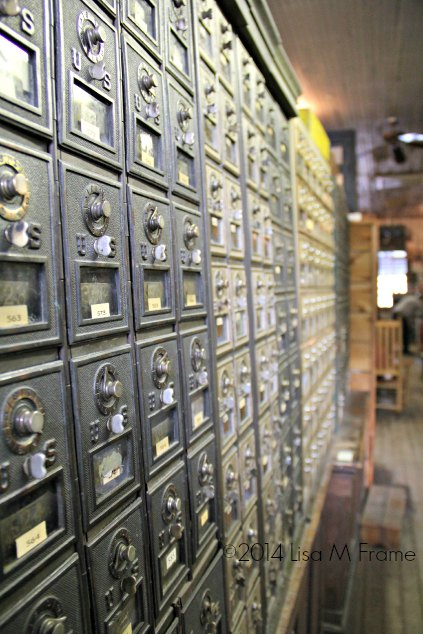 mailboxes_mast_general_Store