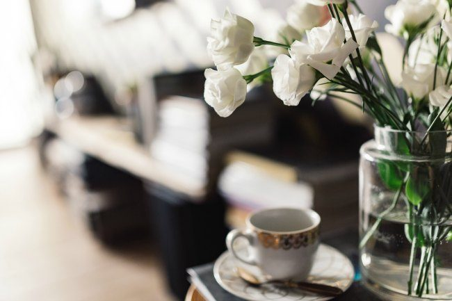 Fresh flowers help bring that bit of nature into your home during the cold winter months.
