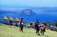 horseback-riding-in-tagaytay