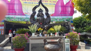 A memorial honoring the monk who lit himself on fire to protest the war