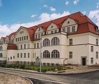 Haftkrankenhaus Leipzig Meusdorf  hier die Chirurgie... Wirkungsstätte von IME GEORG HUSFELD - OSL  Dr. Jürgen Rogge als ChA der Klinik für Neurologie/Neuropsychiatrie...Dr. Bürke: Hier hat sich seit 1933 nichts verändert im Jahre 2010