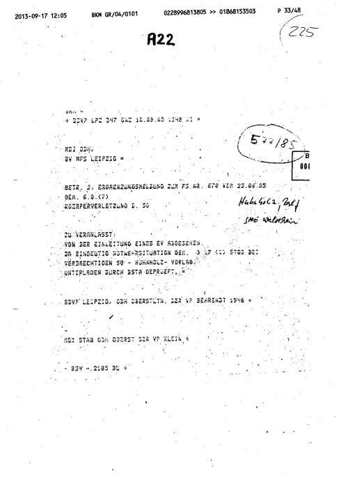 Wer auch immer diese Aktenmappe unterdrückem ließ oder die für das Ersuchen des Polizeipräsidenten und das Ermittlungsverfahren 76 Js 1792/93 nich für relevant befand ist ein Verbrechwer in seinem tiefsten Inneren- ein Abschaum der DDR Gesellschaft.