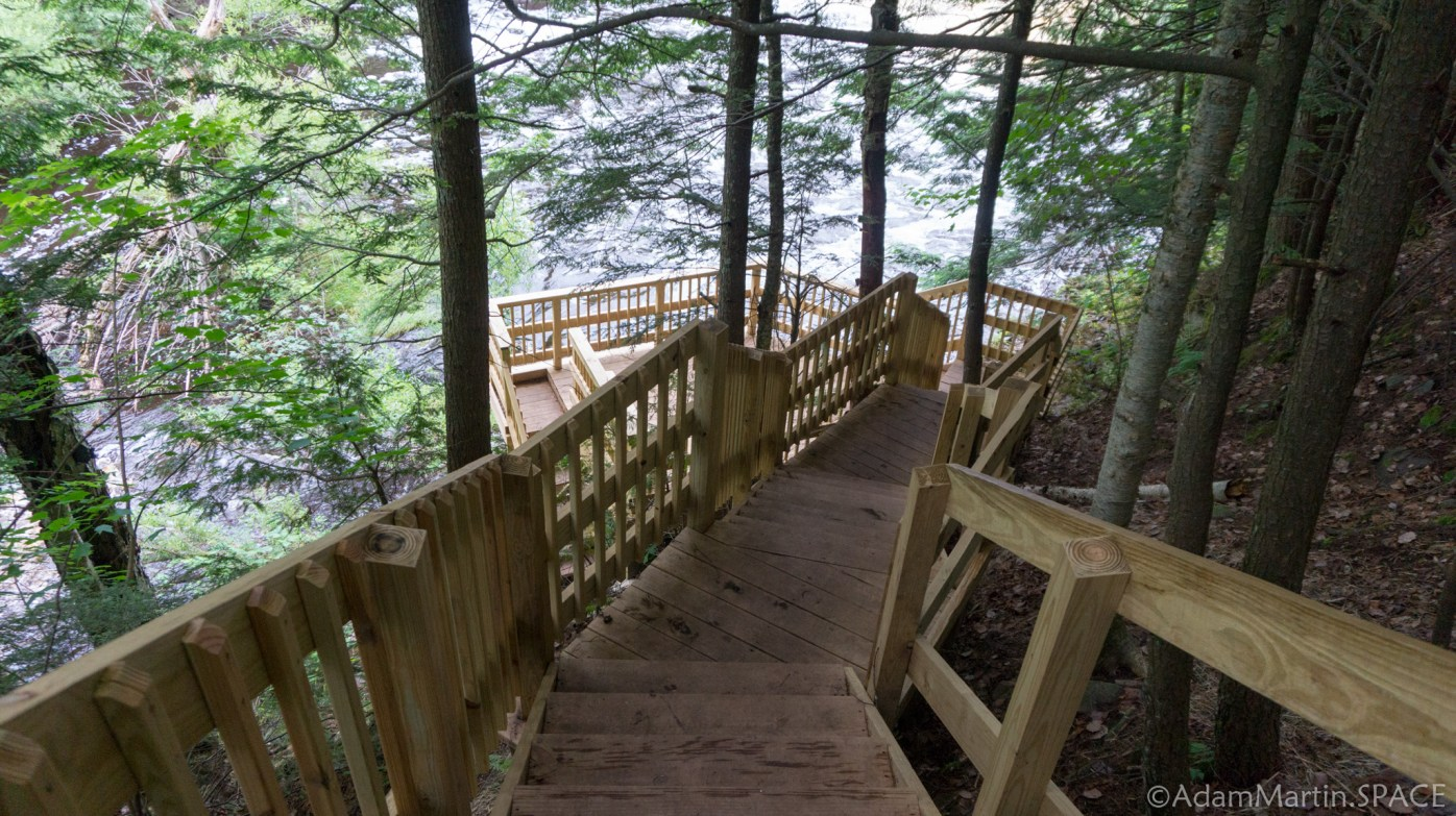 Interstate Falls - New staircase down to main viewing platform