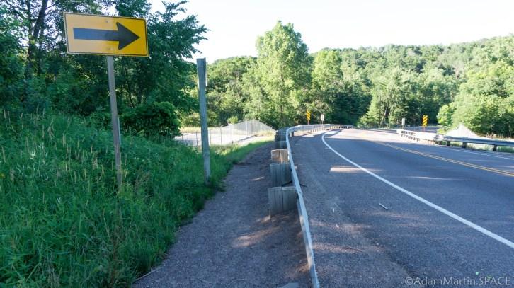Apple River Falls - Hiking access starts along the road