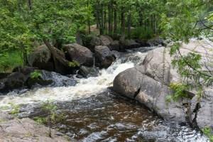 Dave's Falls – Smaller falls upstream of bridge