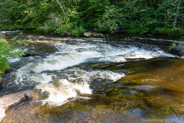 Four Foot Falls - Small ledge above main falls