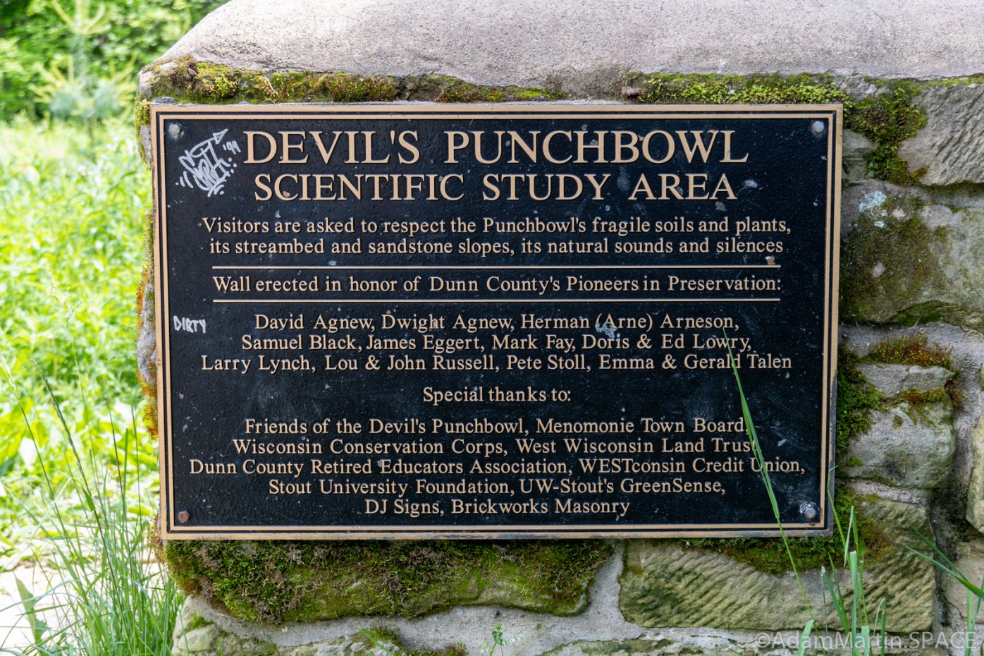 Devil's Punchbowl - Dedication Plaque