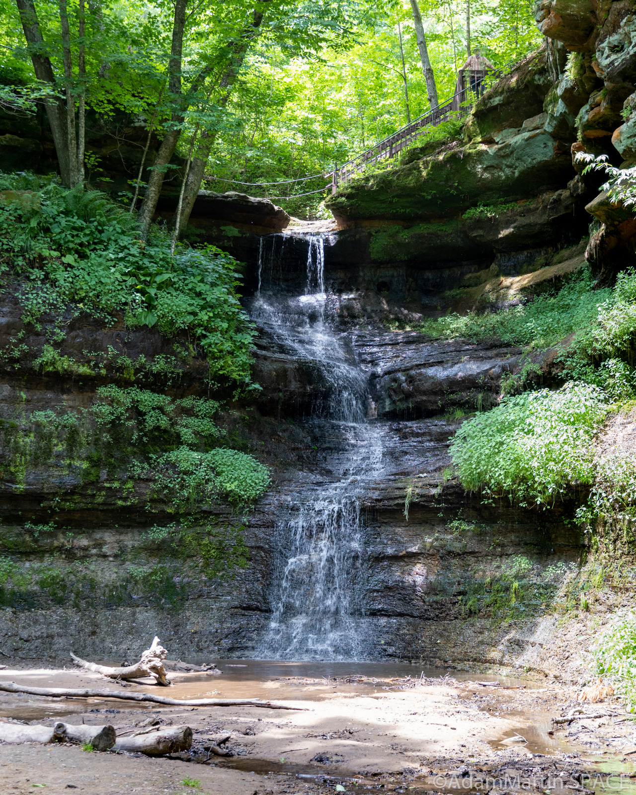 Devil's Punchbowl - Large Waterfall