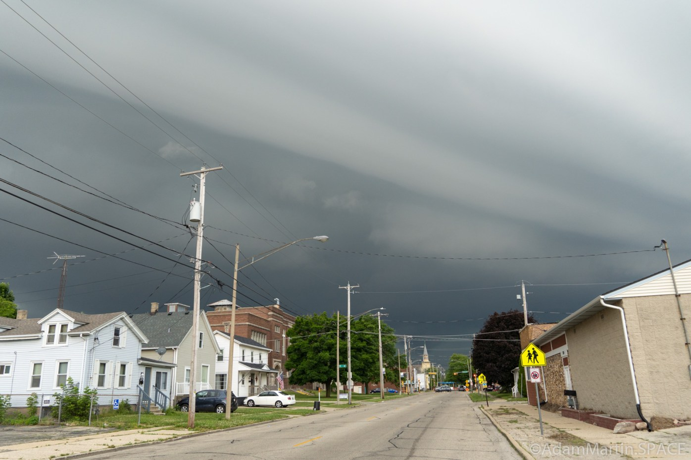 Storm clouds rolling in fast over Washington Road & 7th Ave intersection