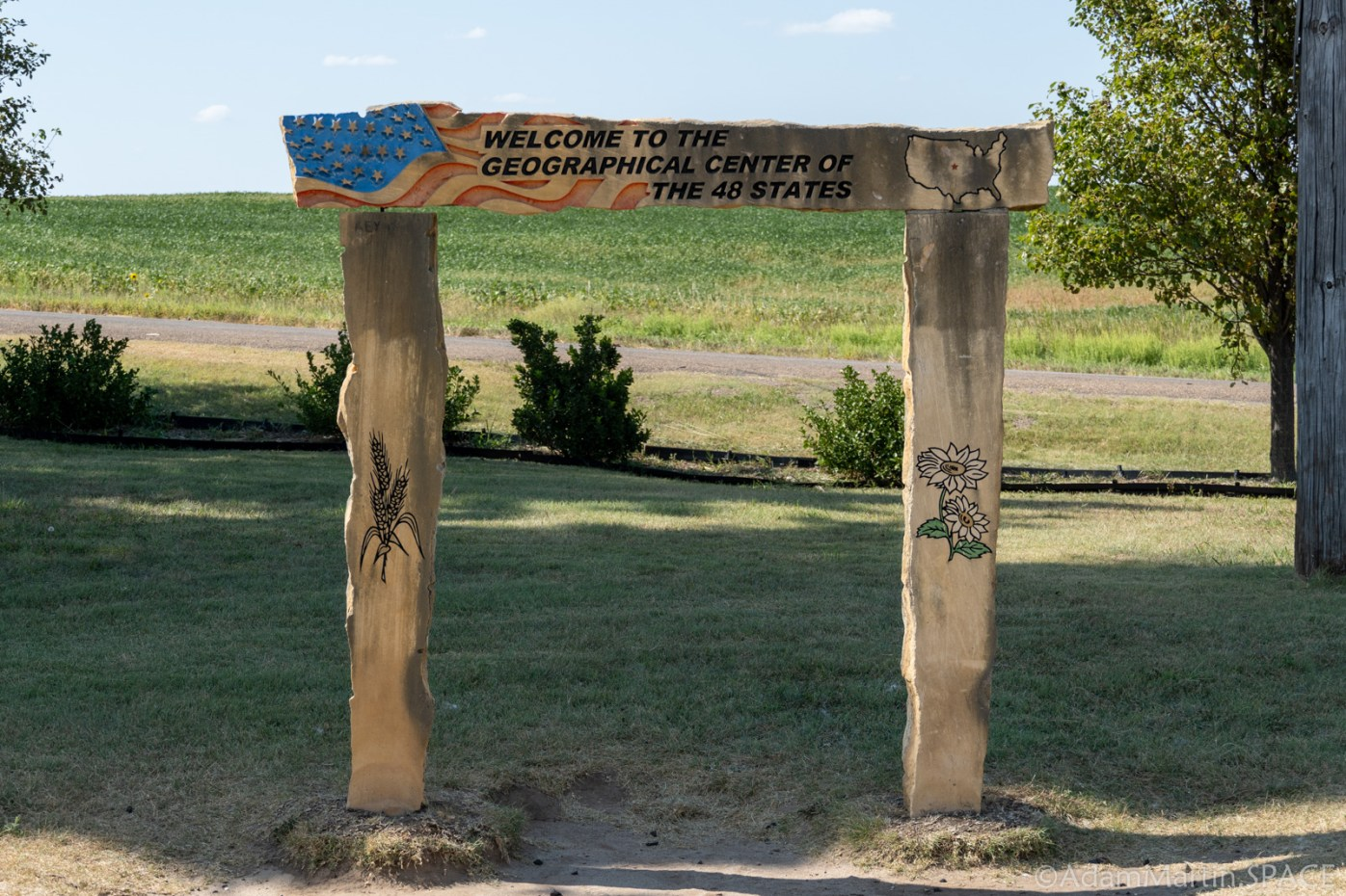 Geographic Center of the Contiguous United States - Small welcome sign