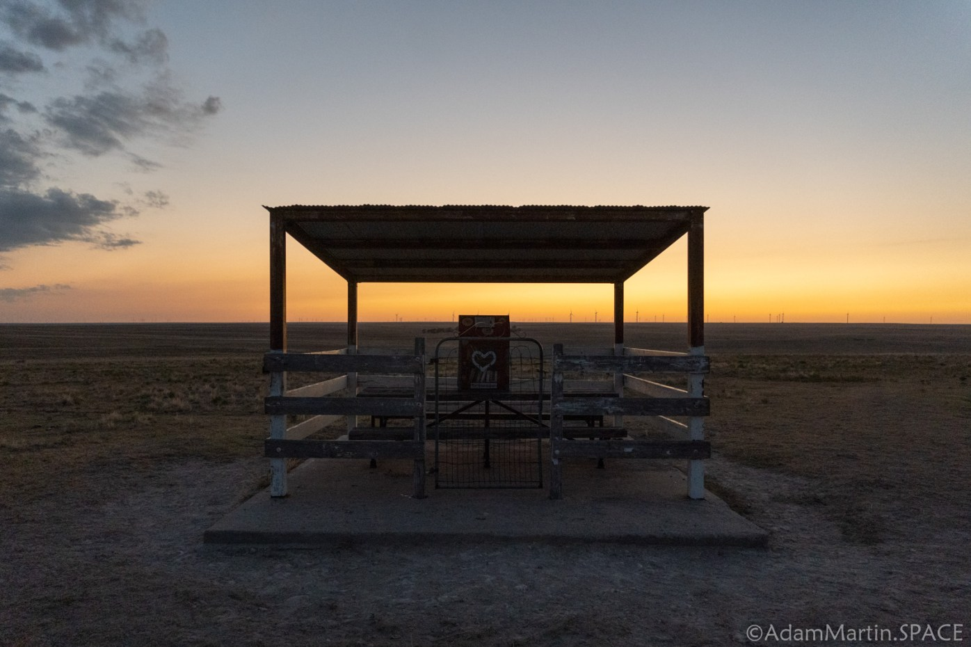 Mount Sunflower - Picnic Shelter and Little Free Library at Sunset