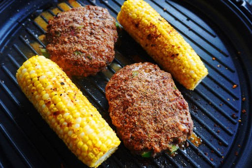 American Cookout - Juicy Burgers & Fresh Corn