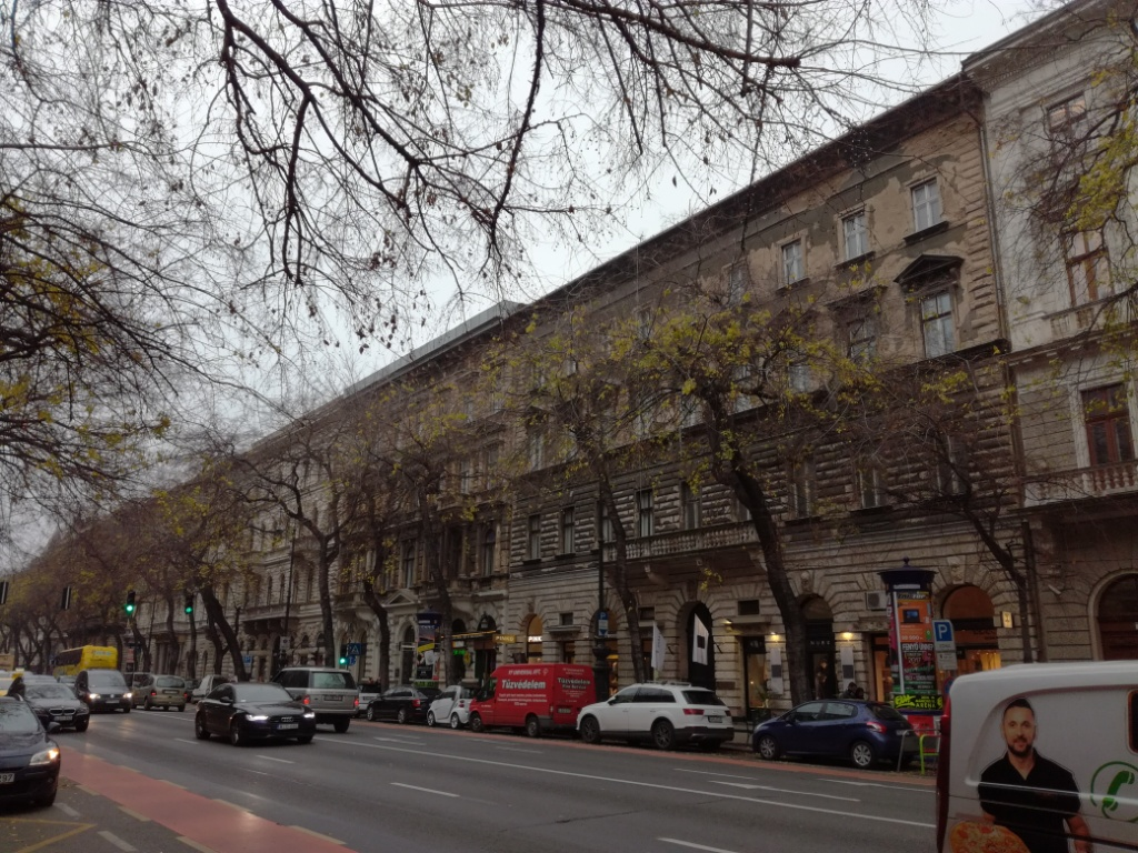 andrassy ulica budapest madarsko