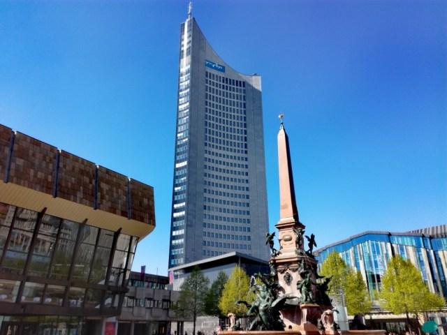 lipsko sasko nemecko koncertna sien lipska filharmonia panorama tower mendebrunnen lipska univerzita augustusplatz leipzig sachsen deutschland gewandhaus universitat