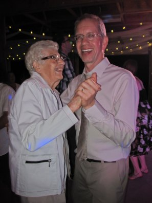 wedding-dancing-IMG_8193