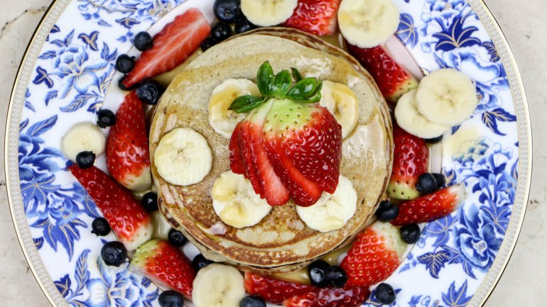 Pancake Day: Healthy Oatmeal & Banana Pancake