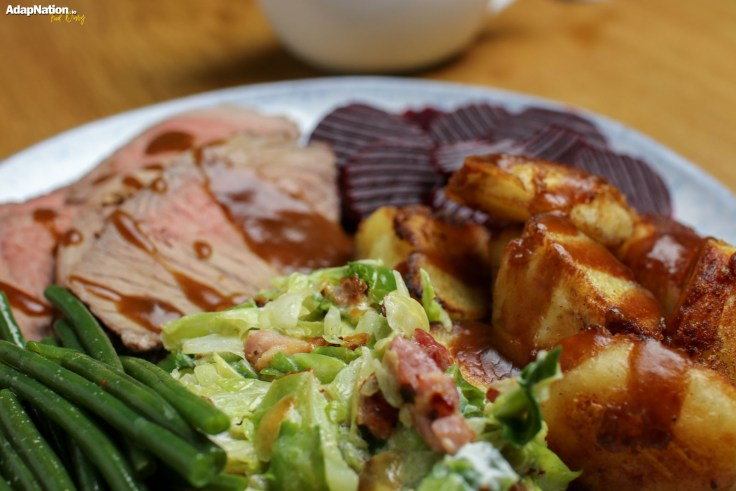 Roast Beef, Crispy Potatoes & Seasonal Veg p3