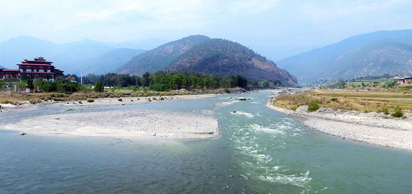 The junction of Pho Chu (R) and Mo Chu (L) rivers