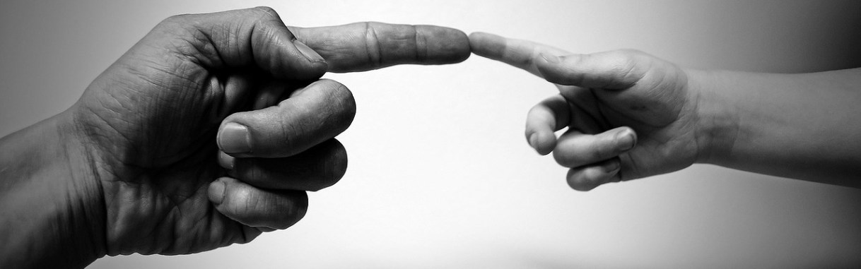imagen dedos conectados