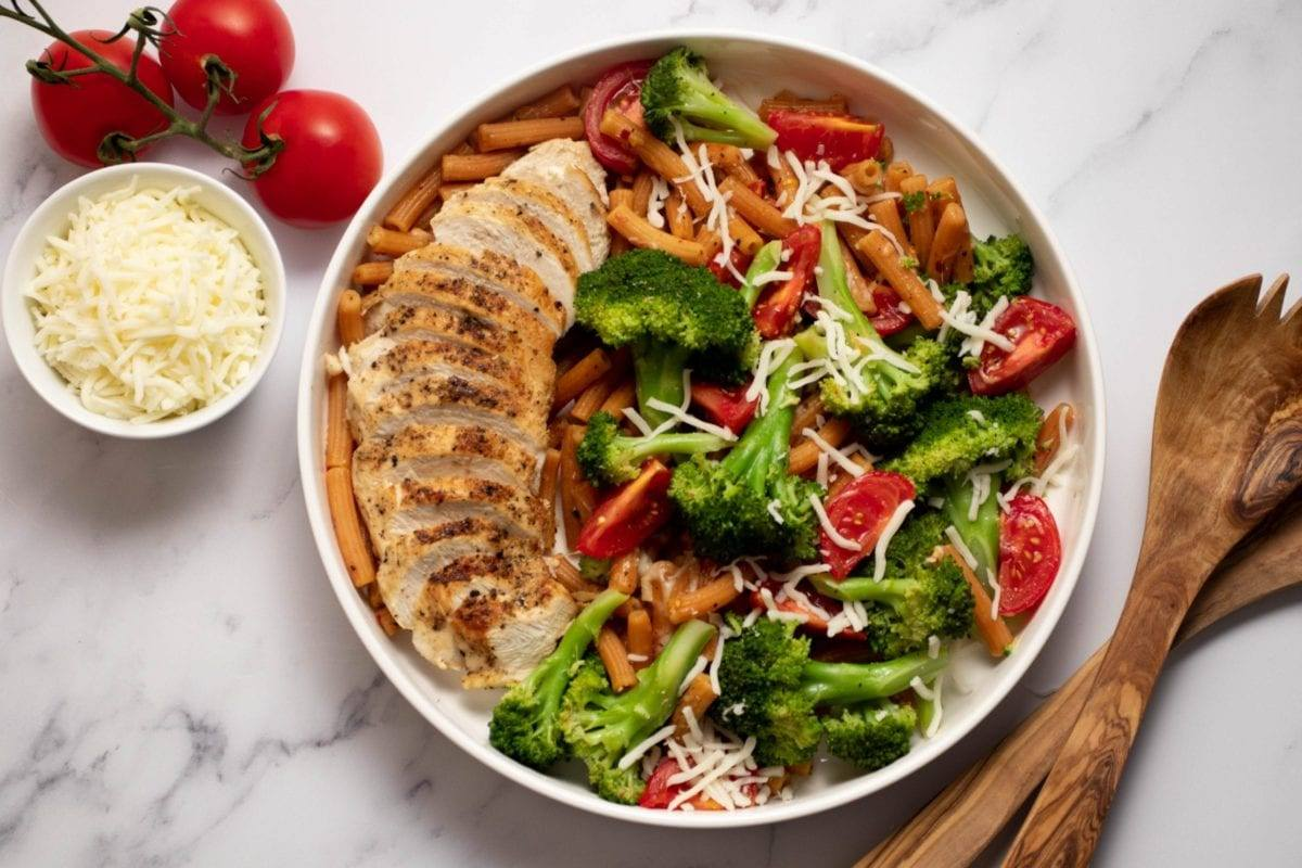 Cheesy Chicken Broccoli Penne Pasta Meal Prep Meal Planning Counting Macros