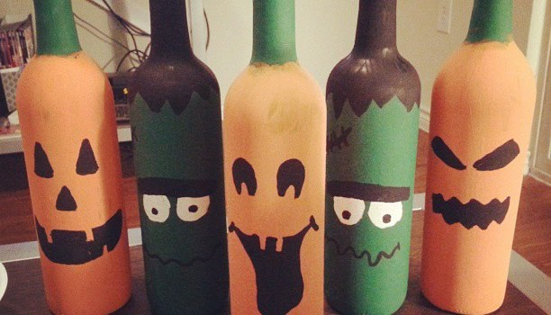 DIY Halloween Wine Bottles Decor