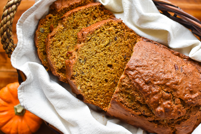 The perfect combination between pumpkin bread and banana bread!