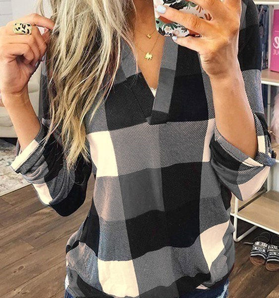 Black Color Block Check V-neck Curved Hem Blouse 2