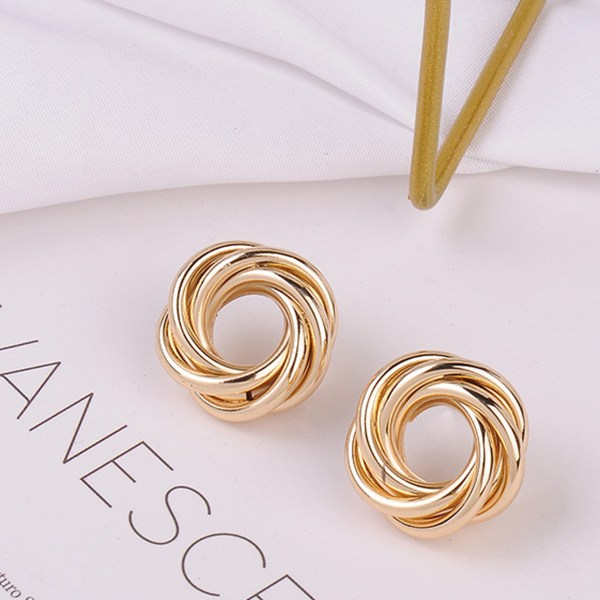Gold Color Flower-shaped Fashion Earrings 2