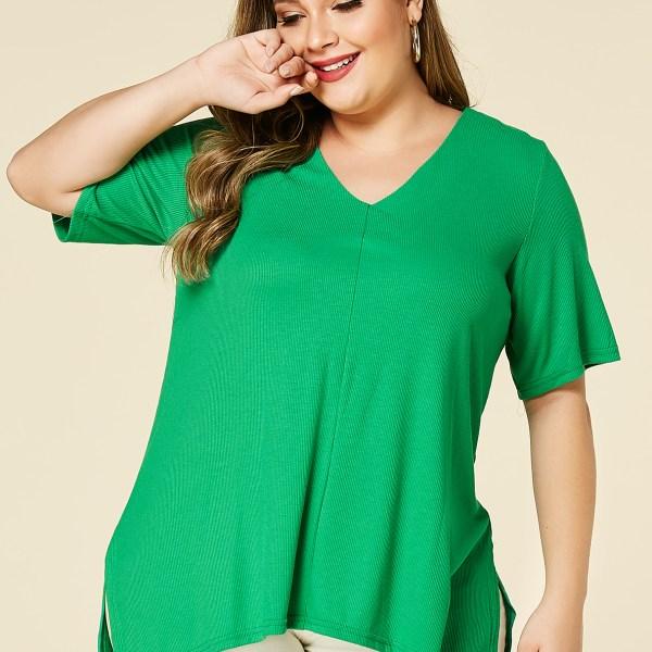 YOINS Plus Size Green V-neck Half Sleeves Slit Hem Tee 2