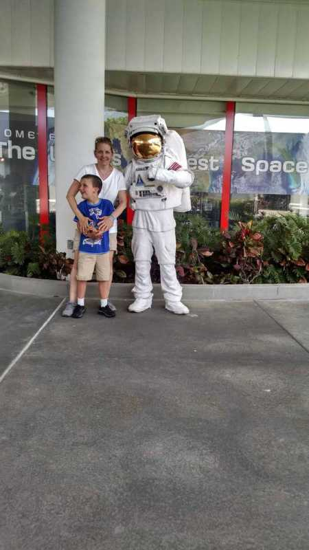 astronaut at kennedy space center