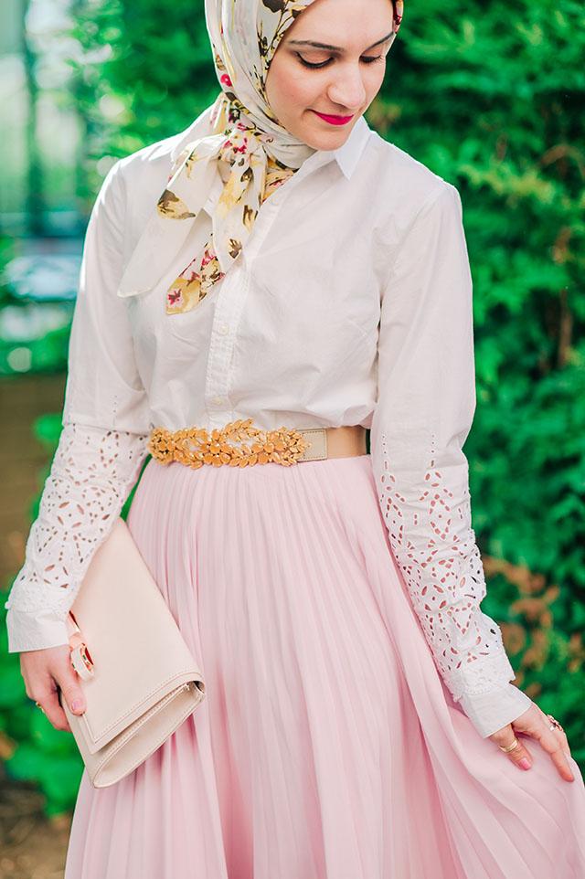 Rachel Parcell Blushing Pleated Midi Skirt, Spring style, pink midi skirt, hijabi, Federal Hill Park, Baltimore, Fashion Blogger, Banana Republic Eyelet shirt, haute hijab scarf, bcbg embellished belt, ted baker pink clutch