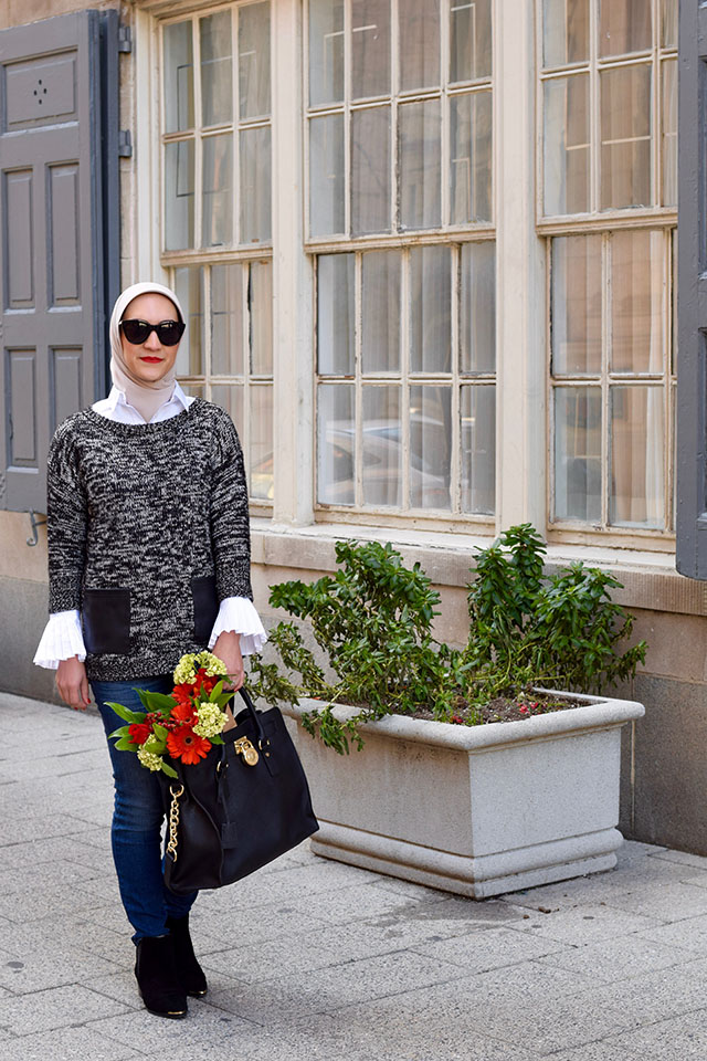 Riley-Fit Tailored Pleated Cuff Shirt-ASOS Sweater-Banana Republic-J.Crew Toothpick jean in classic rinse-Michael Kors Bag-Marc Fisher LTD Yale Chelsea Boot-MAC Ruby Woo Lipstick-Tiffany PALOMA PICASSO Olive Leaf Band Ring-Fashion Blogger-Winter Style-Modest Fashion-Haute Hijab Scarf