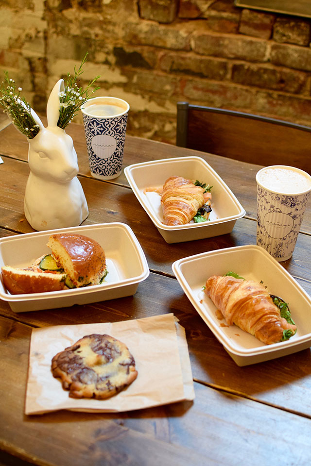 NYC-Food and Travel Blog-Maman NYC-Dominique Ansel Bakery-The Paris Cafe-Vivi Bubble Tea-New York City food-Foodie in NYC