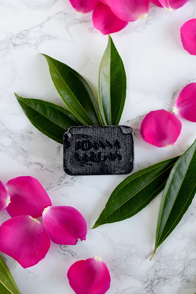 Joanna Vargas Miracle Bar-activated charcoal-skincare-carcoal soap-beauty blog