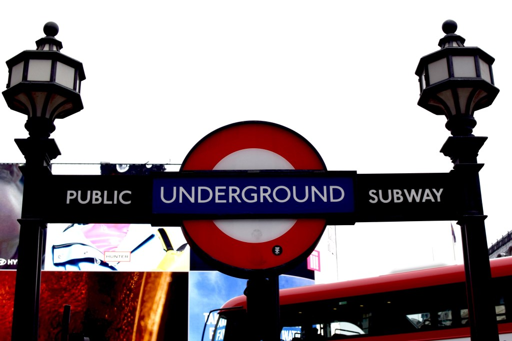 Piccadilly-Travel-Blog-London-Blogger-Lalz-Travel Guide to London