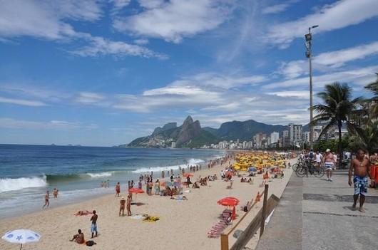 51355c3bb3fc4bc32c000006_as-10-cidades-mais-felizes-do-mundo_1360620806_ipanema-530x351.jpg