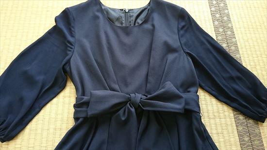 ルイルエブティックのワンピース&ジャケットアンサンブルスーツセット ワンピースの上半身の画像