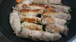 野菜の肉巻き甘辛味付けレシピ 両面焼き色をつける