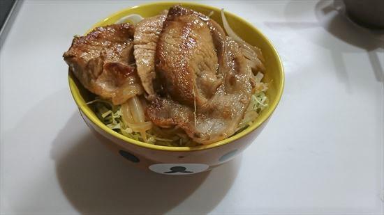 豚丼に合うおかずは?献立がスープなら?副菜や付け合わせで栄養があるおすすめは?