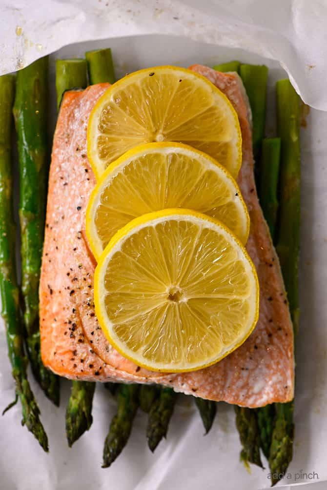 Lemon Garlic Salmon And Asparagus Parchment Packet Recipe