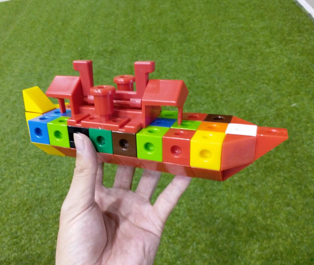 力豆力豆 | 教你用正方形+三角形積木,做一艘快艇(影片)