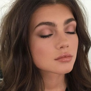 Best Natural Prom Makeup Ideas To Makes You Look Beautiful40