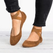 Classy Business Women Outfits Ideas With Flat Shoes05
