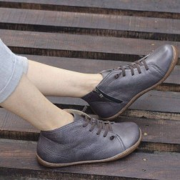 Classy Business Women Outfits Ideas With Flat Shoes27
