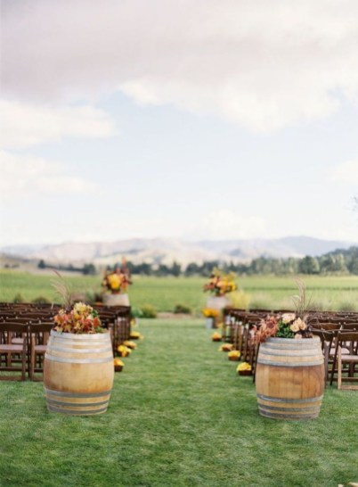 Awesome Outdoor Fall Wedding Tips Ideas18