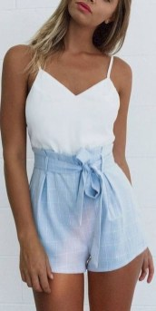 Charming Summer Outfits Ideas To Copy Right Now14