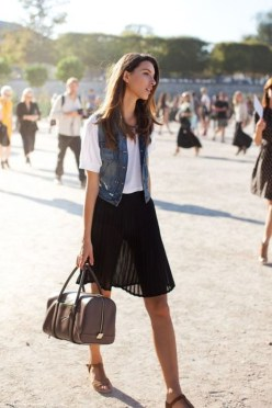 Charming Summer Outfits Ideas To Copy Right Now21