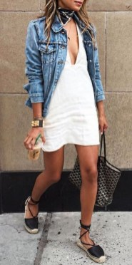 Charming Summer Outfits Ideas To Copy Right Now23